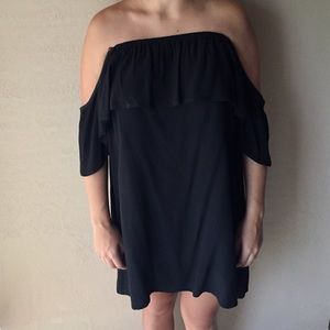 Off the shoulder Express Dress